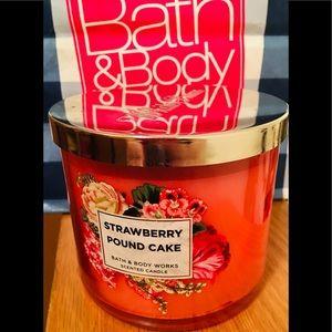 Bath & Body Works Strawberry Poundcake Candle